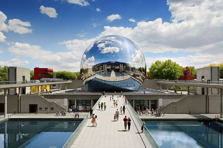 La Villette Paris, a spacious park for art concerts (Keep Cruising World)