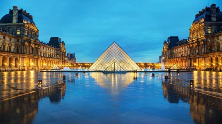 Paris famed Louvre Museum (CBS 58)