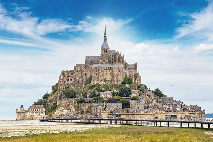 Tourist Attractions In France Not In Paris Visit-Mont-Saint-Michel (PlanetWare)