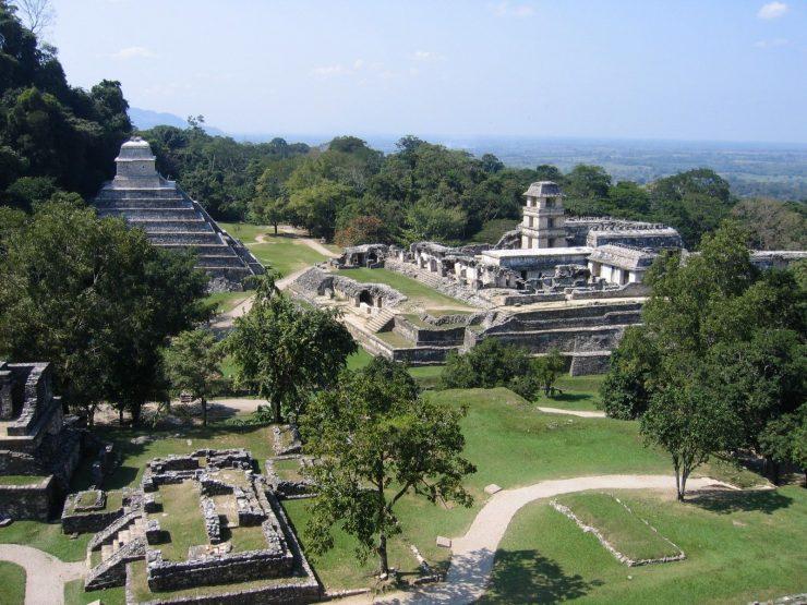 Kukulcan-Pyramid-at-Chichen-Itza-Mexico