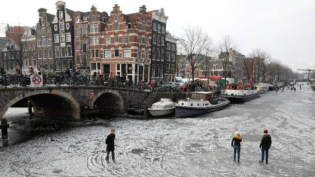 Winter at Amsterdam, Belanda