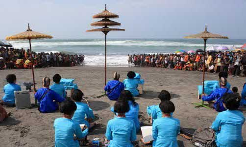 Parangkusumo Beach Holidays