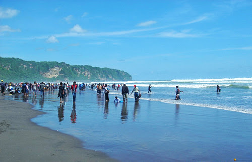 Tourism Parangtritis Beach Yogyakarta
