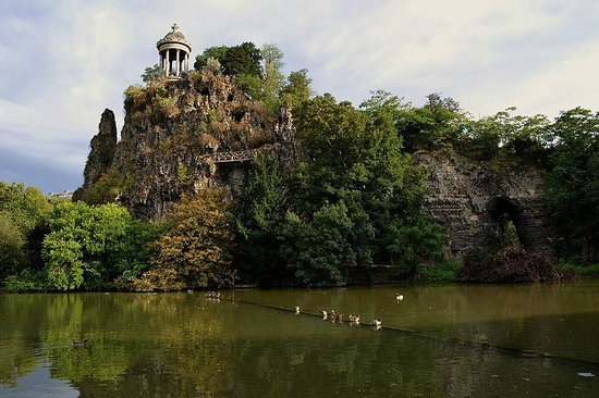 Parc des Buttes-Chaumont of Paris