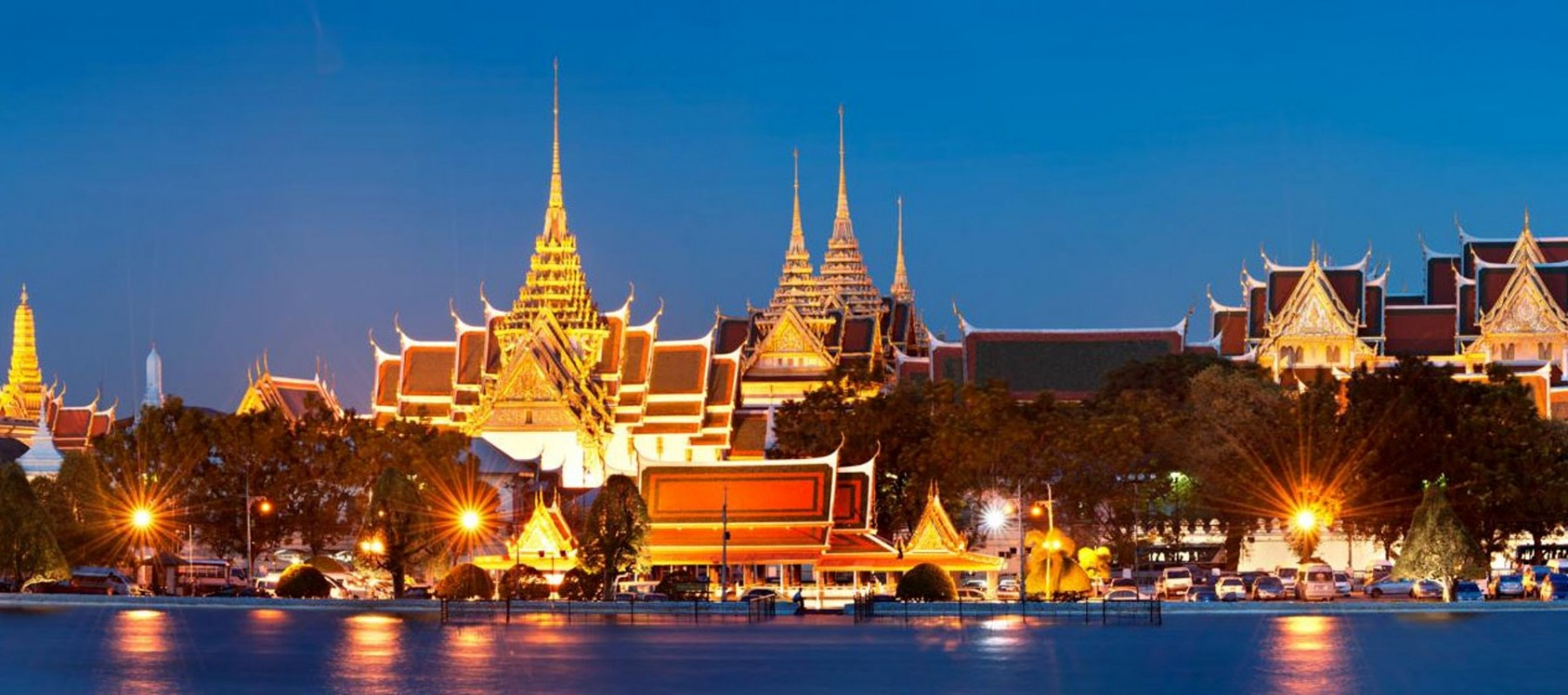Night at Bangkok Grand Palace