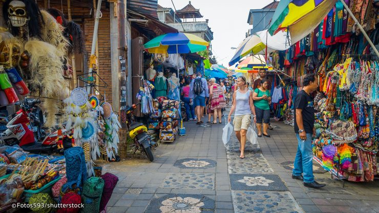Choose a cheap shopping spot in Bali