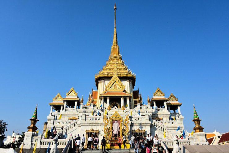 Golden Buddha (Wat Traimit) Bangkok Thailand (encirclephoto.com)