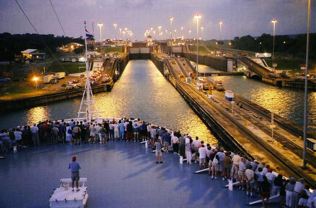 Panama canal cruise 2019 (48hourvisit.com)