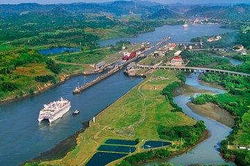 Panama canal location (viator.com)