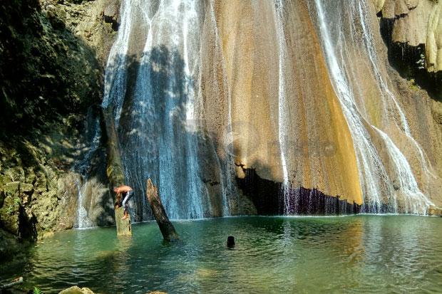 Refreshing air conditioning - Warinkabon waterfalls
