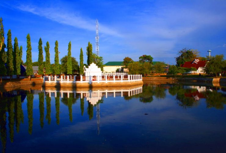 The charm of Aceh-pond tour around the park-Sari-Gunongan