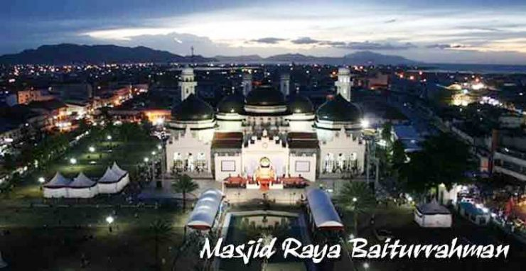 The charm of tourism Aceh Masjid-Raya-Baiturrahman-Aceh