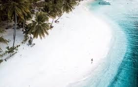 White sand island - Raised sand (@StayRajaAmpat)