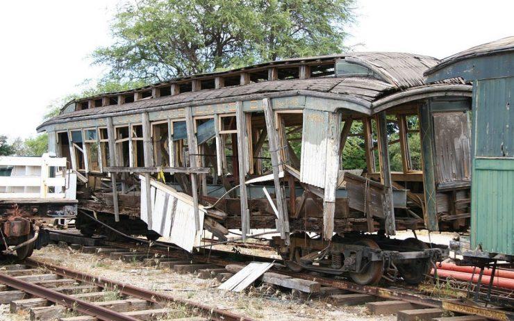 OR&L passenger car coach #2, a first class coach sitting at the Hawaiian Railway Society (en.wikipedia.org)