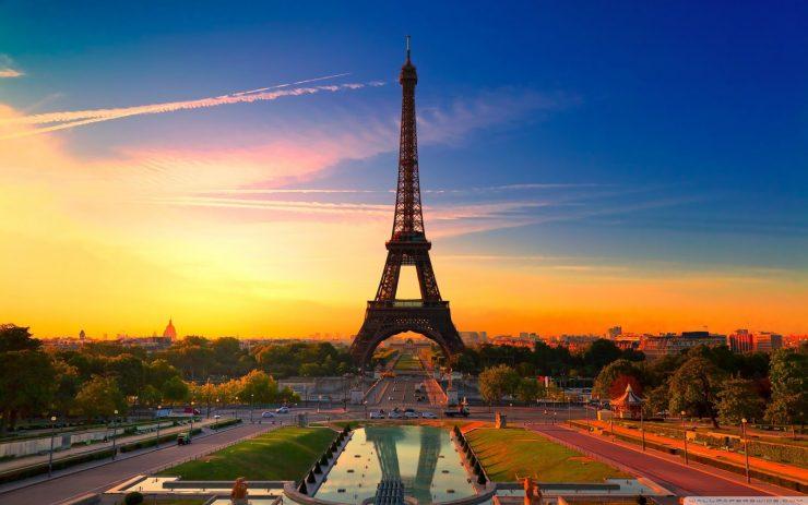 Paris eiffel tower light show start time