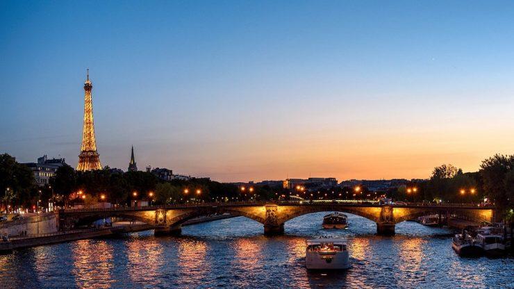 Eiffel-tower-sunset landmark (Pixabay)
