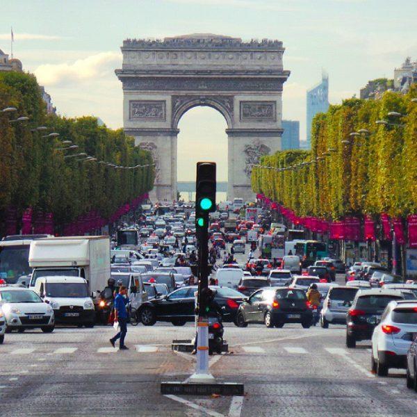 Evenue Champs-Élysées Paris (Flickr)